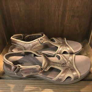 Clarks collection sandals Size 8M women's